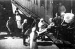 Поезд с ранеными солдатами в Красноярске